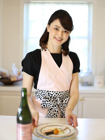 エプロンを着用する必要性~なぜ料理をする際にエプロンをつけるの?~